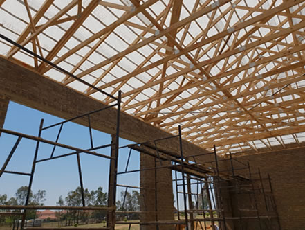 Timber Roof Trusses Erection